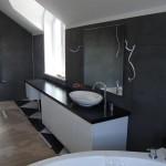 kamienne wykończenie łazienki