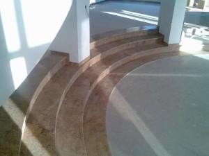 kamienne wykończenie schodów