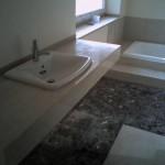 kamienny blat pod umywalka